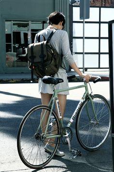 Bianchi Fixie Girls (fixed gear & singlespeed) Bicycles Love Girls. http://bicycleslovegirls.tumblr.com
