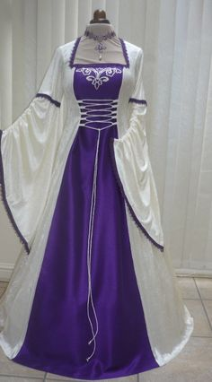 #MedievalDress #FantasyDress #Costumes #Clothes #Dresses