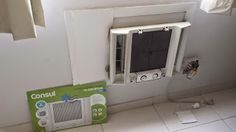Ar condicionado by Gilson Eletricista: Trocando o ar de janela e o ventilador de teto.