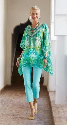 The Best Fashion Ideas For Women Over 60 - Fashion Trends Over 60 Fashion, Over 50 Womens Fashion, Fashion Over 50, Plus Fashion, Hijab Styles, Tunic Dress Patterns, Hijab Fashion, Fashion Outfits, Trendy Outfits