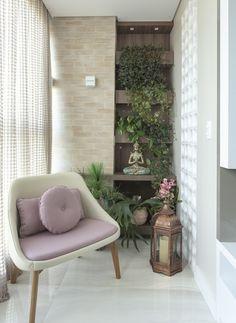 Small Porch Decorating, Small Balcony Decor, Apartment Balcony Decorating, Apartment Balconies, Balcony Design, Balcony Decoration, Deco Studio, Wrought Iron Decor, Zen Space