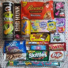 My first Taffy mail box arrived today ☺ lots of goodies to try.... nom nom nom  #taffymail #subscriptionbox #americansweets #americancandy #pringles #reeses #poprocks #poptarts #tootsieroll #twix #kitkat #nerds #skittles #koolaid #sweets #chocolate