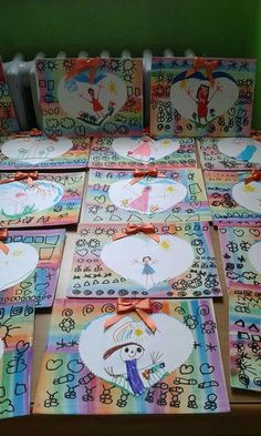 Paper Crafts For Kids, Diy And Crafts, Arts And Crafts, Mother And Father, Nursery Art, Fathers Day Gifts, Kindergarten, Valentines, Drawings
