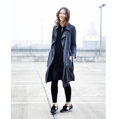 Trenchcoat & Sneaker by today is girls