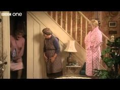 Mrs Brown bikini wax - Absolutely the most 'fecking' hysterical episode ever! Comedy Clips, Comedy Tv, Best Kids Watches, Cool Watches, Mrs Browns Boys, Brown Bikini, Bbc Tv Shows, Bikini Wax, British Comedy
