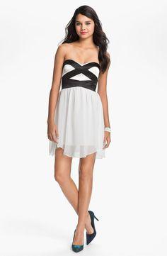Mini Sweetheart Chiffon Dress