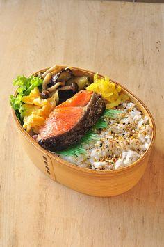 鮭と味噌炒め弁当 : 息子&主人へ愛ある健康弁当