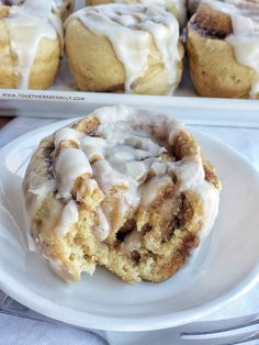 {no yeast, one bowl} Cinnamon Roll Muffins