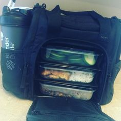 @6packbags makes nutrition on the go easier than ever before!  #6packbags #nutrition #healthyeating #fatloss #mealprep #realfood #foodshare #workout #gymfood #gymfuel #fitness #fit #fitfam #iifym #flexibledieting #diet #macros #fitspo #fitfood #foodisfuel #dedication #fitnessmotivation by keyfitnessgroup