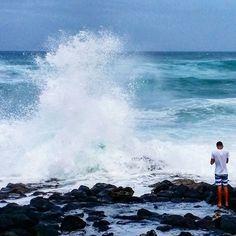 【anela_by_the_sea】さんのInstagramをピンしています。 《Watch out😲 * 昨日のマカプウビーチからの1枚🌊 ハリケーン🌀に踊らされた2日間💦今日はのんびり過ごします😊 * #hawaii #waimanalo #beach #makapuubeach #sky #ocean #sea #splash #ハワイ #ワイマナロ #ビーチ #マカプウビーチ #そら #海 #水飛沫》