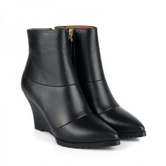 Pointed toe ankle boots at CHIKO Shoes