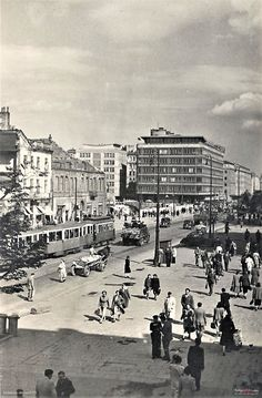 Poland People, Old Street, Light Rail, Warsaw, Planet Earth, Santorini, Great Britain, Old Photos, Dolores Park