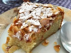 Cottage cheese and almond cake (gluten free) – Diet Gluten Free Scones, Gluten Free Bakery, Gluten Free Banana Bread, Banana Bread Recipes, Baking Recipes, Dessert Recipes, Delicious Desserts, Yummy Food, Cheesecake