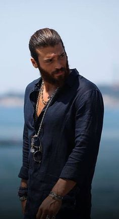 Turkish Men, Turkish Actors, Turkish Beauty, Just Beautiful Men, Beautiful Men Faces, Man Dressing Style, Hommes Sexy, Beard Styles, Haircuts For Men