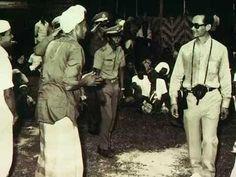 ในหลวงเสด็จเยี่ยมราษฎรที่ภาคใต้ King Bhumipol, King Rama 9, King Of Kings, King Queen, Cool Countries, Countries Of The World, King Thailand, Queen Sirikit, King Photo
