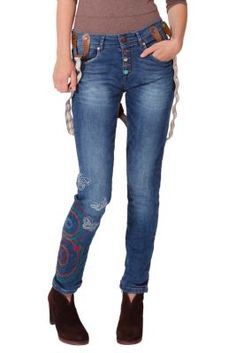 Desigual women's Vertiginos jeans, with detachable straps. Check out the cool buttons, and the embroidery on the leg. Slim fit.