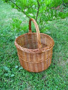 Round Wicker Basket Handmade Woven Willow Basket by WillowSouvenir