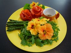 Kaplan Center for Health and Wellness: Flowers as Food Part 1 : Its More than Just Sunflowers !