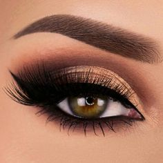 21 Stunning Makeup Looks for Green Eyes > CherryCherryBeaut. - - 21 Stunning Makeup Looks for Green Eyes > CherryCherryBeaut. Beauty Makeup Hacks Ideas Wedding Makeup Looks for Women Makeup Tips Prom Makeup ideas . Makeup Looks For Green Eyes, Makeup Eye Looks, Eye Makeup Tips, Cute Makeup, Makeup Goals, Eyeshadow Makeup, Makeup Ideas, Makeup Products, Makeup Glowy