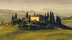 San Quirico d'Orcia, Italy --- Tuscan Villa at Sunrise --- Image by © Frank Krahmer/Corbis Arno, Toscana, Villas, Packing List Beach, Italian Villa, Italian Style, Roald Dahl, Romans, Houses