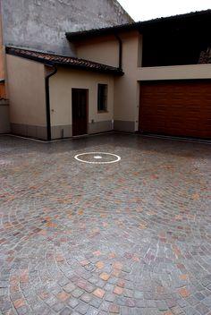 #appiaanticasrl #stone #pietra #palosco #bergamo #brescia #pavimenti #garden #flooring #wall #pavimenti #posa #flower #porfido #porfidorosso #marmocarrara