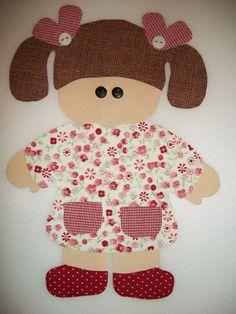 Aplicação para patchcolagem em tecido de algodão com termocolante (Freudenberg). Acompanha, partes para a montagem da aplicação, 1 foto (molde para a montagem) e botões. R$ 8,50 Baby Applique, Applique Patterns, Applique Quilts, Applique Designs, Embroidery Applique, Quilt Patterns, Quilt Baby, Patchwork Baby, Cross Stitch Baby