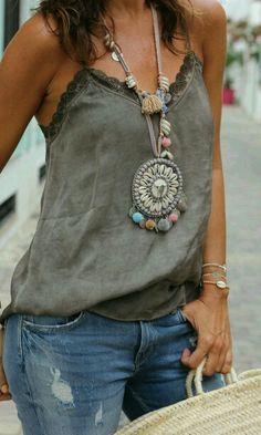streetstyle: lingerie ╰☆╮Boho chic bohemian boho style hippy hippie chic bohème vibe gypsy fashion indie folk the . ╰☆╮╰☆╮Boho chic bohemian boho style hippy hippie chic bohème vibe gypsy fashion indie folk the . Hippie Stil, Mode Hippie, Estilo Hippie, Boho Gypsy, Hippie Boho, Bohemian Style, Boho Chic, Ethnic Style, Bohemian Jewelry