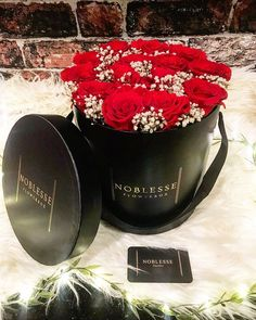 Instagram Ladies, Noblesse, Flower Boxes, How Beautiful, Kardashian, Irish, Roses, Felt, Feltro