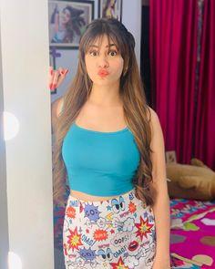 Beautiful Girl Photo, Beautiful Girl Indian, Most Beautiful Indian Actress, Cute Girl Poses, Cute Girl Pic, Cute Girls, Stylish Girls Photos, Stylish Girl Pic, Cool Girl Pictures
