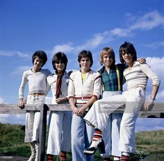 Scottish rock band 'The Bay City Rollers' pose for a portrait in circa 1975 in Los Angeles, California. (L-R) Leslie Mckeown, Eric Faulkner, Alan Longmuir, Derek Longmuir and Stuart 'Woody' Wood.