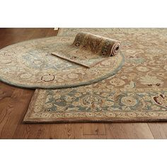 Satari Rug- blue All but 1 review says no shedding after first vacuum.... Gets raves on foot feel