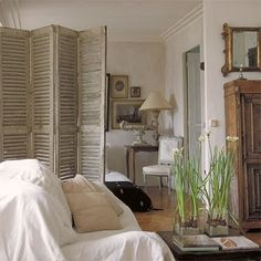 Marcel Marongiu's Parisian apartment Interior Shutters, Home Interior, Interior Design, Design Living Room, Living Area, Ivy House, Shabby Chic Living Room, Apartment Living, Small Spaces