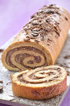 Bûche café chocolat avec Tassimo ® - Katalin Nagy - My Ideas Log Cake, Holiday Cakes, Tupperware, Biscuits, Banana Bread, Food And Drink, Cooking, Sweet, Occasion