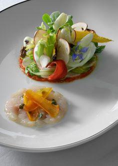 Food-SERVED-AT-MONACO-WEDDING-DINNER--Tendres-lEgumes-tomatolives-et-mulet-daurin-marinE--pourtargue-c-B.-Touillon.jpg 580×820 piksel