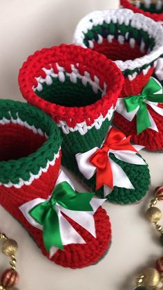 10 Unusual Gift Ideas For Mums Ideas Crochet Christmas Decorations, Crochet Christmas Ornaments, Christmas Crochet Patterns, Holiday Crochet, Crochet Toys Patterns, Crochet Home, Crochet Gifts, Christmas Tree In Basket, Red Christmas
