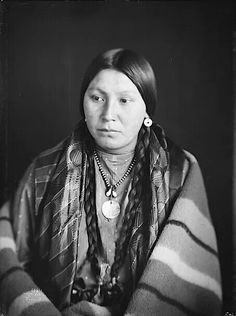 Pretty Shield (1856–1944) was a medicine woman of the Crow Nation. Description from pinterest.com. I searched for this on bing.com/images