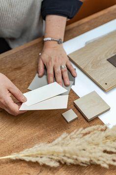 Kleurenplan voor je nieuwe interieur laten bedenken Latte, Interior Design, Cards, Nest Design, Home Interior Design, Interior Designing, Home Decor, Maps, Interiors