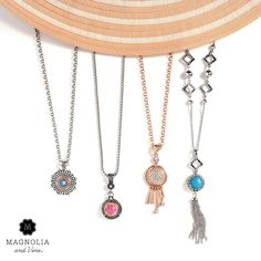 Style your beachy vacay (or just warm up your look). Pack these trends -- a little color, a little movement, and tons of sparkle -- for the most chic getaway yet!  Shop ~ Host ~ Join. 1-855-593-7848 or www.SparkleSnaps.com