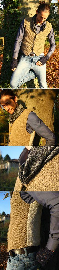 #Gilet bicolore con collo in seta Two-tone #waistcoat (vest) with silk neck € 78  #handmade #knitwear for man