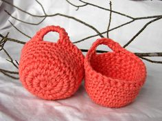 mini baskets  #crochet #baskets                   ᒲ Teresa Restegui ᒷ http://www.pinterest.com/teretegui/