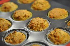 Muffiny na słono z szynką, serem, pieczarkami i ziołami
