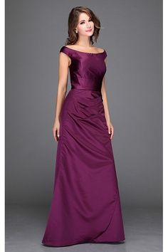 Společenské šaty Ocean  Společenské šaty OceanSpolečenské šaty OceanSpolečenské šaty OceanSpolečenské šaty Ocean SPOLEČENSKÉ ŠATYDOPORUČUJINOVINKA  Luxusní šaty vhodné na plesy i jiné společenské události aneb v jednoduchosti je krása. Dokonalé šaty vhodné pro dámy, které si potrpí spíše na decentní střih, přesto však s důrazem na kvalitu materiálu a provedení. Krásný sytý odstín fialové barvy dodá šatům na eleganci, materiál podobný saténu (ne tolik lesklý, o něco málo silnější). Jednoduchý…