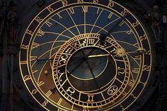 Reloj astronómico viejo ayuntamiento staromestske namesti, Praga, República Checa.  Fotógrafo  Kord