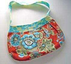 buttercup bag http://www.flickr.com/photos/29552937@N08/3905177225/in/pool-1076520@N22/