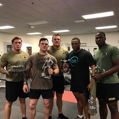 Just took the overall at BN, post powerlifting competition. Squat - 485 Deadlift - 655 New PR Bench - 315 Total - 1455 Shoutout to the new belt came in clutch bro. always repping fam Sexy Military Men, Army Men, Mark Porter, Mr Muscle, Army Pics, Workout At Work, Paratrooper, Love And Respect, Powerlifting