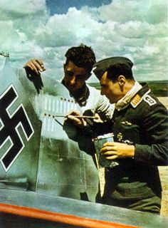 * Oberfeldwebel Franz Dietrich Fadenau ...painting Victory bars* # World War II #