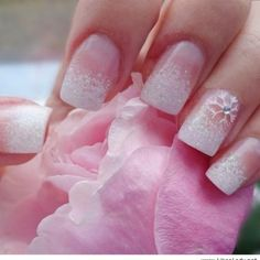 Awesome snowflakes nails