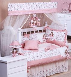 Princess Room Decor Baby Bedroom Girls Bedroom Kid Beds Baby Sewing New Baby Products Baby Nest Baby Shawer Cot Bedding Nursery Bedding Sets, Cot Bedding, Baby Bedroom, Nursery Room, Girls Bedroom, Quilt Baby, Princess Room Decor, Crib Accessories, Baby Boy Dress