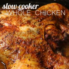 Slow cooker whole chicken that anyone can make! This is the easiest way to enjoy a juicy rotisserie like chicken by only using a crockpot. #paleodinner Slow Cooker Huhn, Crock Pot Slow Cooker, Pressure Cooker Recipes, Roast Chicken Crock Pot, Roast Chicken Recipes, Chicken Cooker, Crockpot Roaster Chicken, Rotisserie Chicken In Crockpot, Baked Whole Chicken Recipes