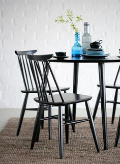 drag to resize or shift-drag to move Small Apartment Decorating, Interior Decorating, Interior Design, Colorful Chairs, Retro Home, Cheap Home Decor, Scandinavian Style, Dining Area, Dining Chairs